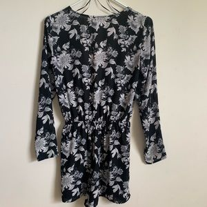 H&M Pants - H&M Floral Romper Black & white size 6 like new